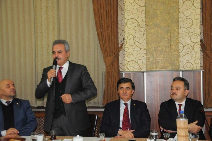AK Parti, Mahalle ve Köy Muhtarlarının dertlerini dinledi