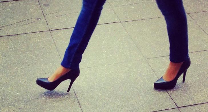 Okul müdüründen topuklu ayakkabı yasağı! 'Dinen caiz değil!'