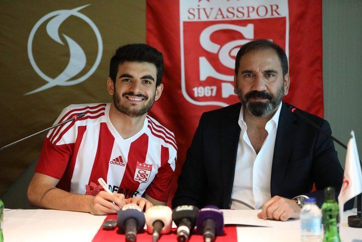 Fatih Aksoy - Beşiktaş > Demir Grup Sivasspor (Kiralık)