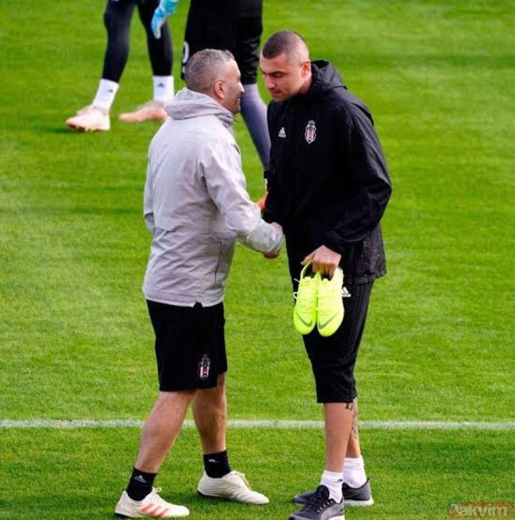 - Burak Yılmaz'a herkesten daha fazla sahip çıkıp, Beşiktaş'a kazandırmak gerekir. Beşiktaşlılık duruşu bunu gerektirir. Bu çocuğa sahip çıkmamız lazım.