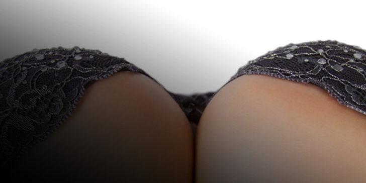 Güzel ve çekici bir göğüs için basit egzersizler