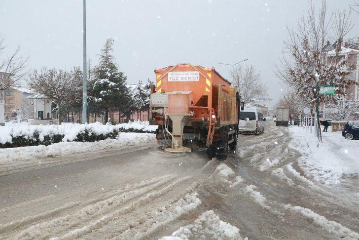 Elazığ'da buzlanma nedeniyle eğitime yarım gün ara