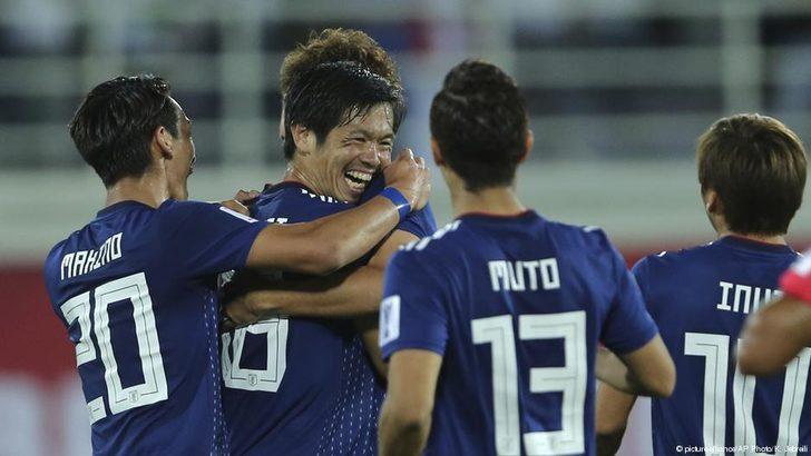 Japan sichert sich den Gruppensieg