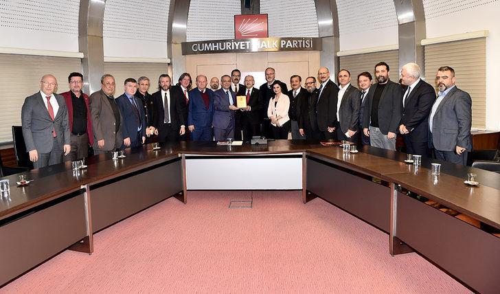 Kılıçdaroğlu: Gazetecilerin sorunlarını parlamentoda dile getiren tek partiyiz