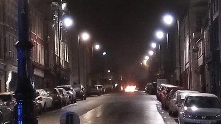 Kuzey İrlanda'da bombalı araç patladı