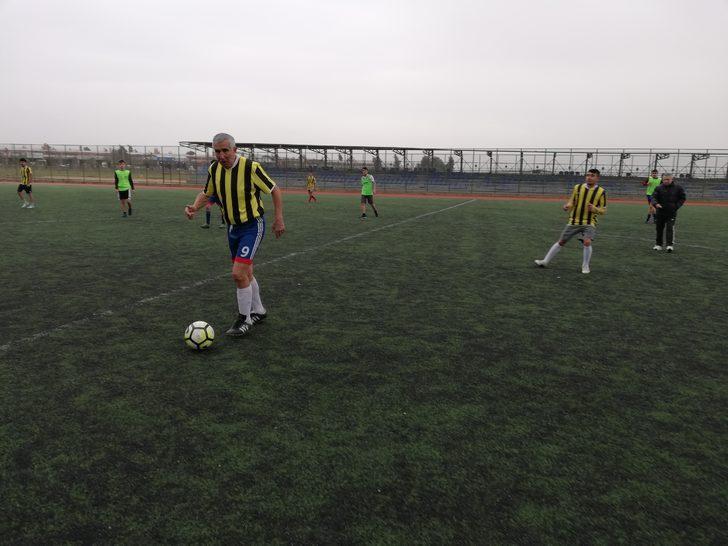 70 yaşındaki Şerif Kunt futbol oynamaya devam ediyor! Transfer oldu...