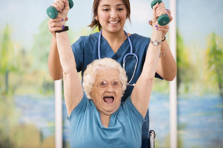 '20 yaşındaki kiloya yakın olan kadınlar 'daha uzun yaşıyor'