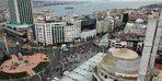 (Havadan fotoğraflarla) Taksim Camii'nin alemi yerleştirildi
