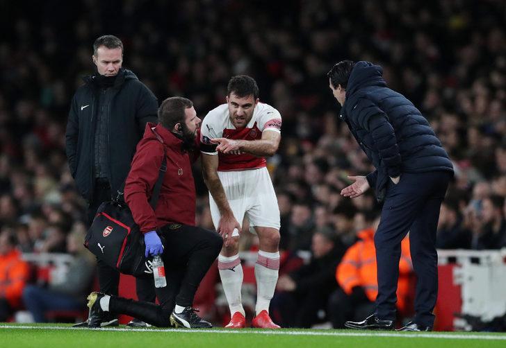 Arsenal'de Sokratis sahalardan 1 ay uzak kalacak