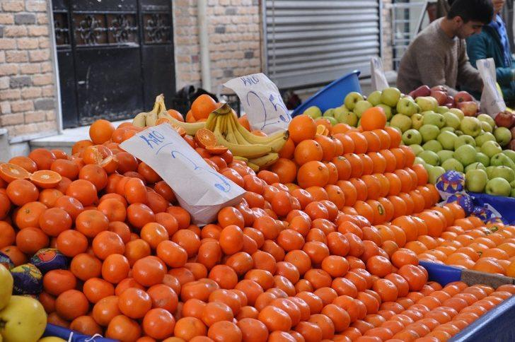 Hortum, meyve ve sebze fiyatlarını ikiye katladı