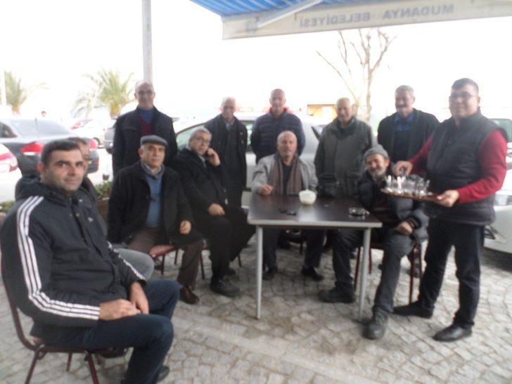 Mudanya'da emeklilere ücretsiz çay