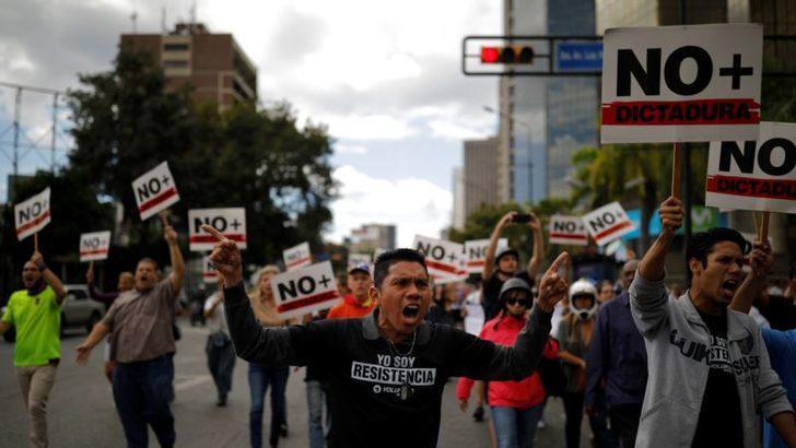 Venezuelalılar 'Özgür Seçim' Talebiyle Toplandı