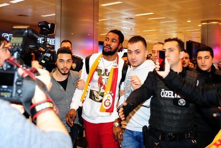 Christian Luyindama - Standart Liege > Galatasaray |BONSERVİS BEDELİ: Kiralık