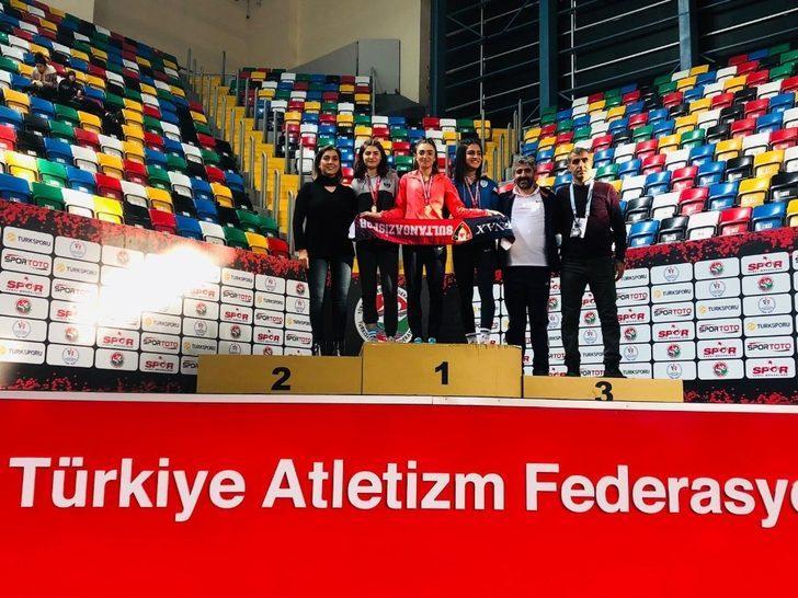 Karslı atlet Türkiye Salon Şampiyonasında şampiyon oldu