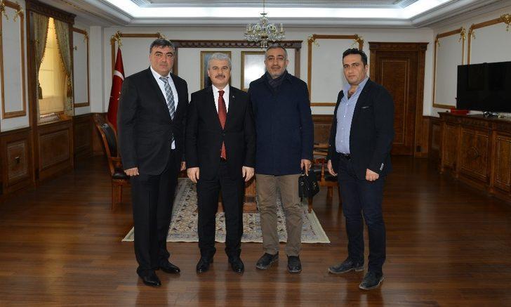 """Vali Akın: """"Kırşehir'in değişiminde mimarlar önemli görev üstleniyor"""""""