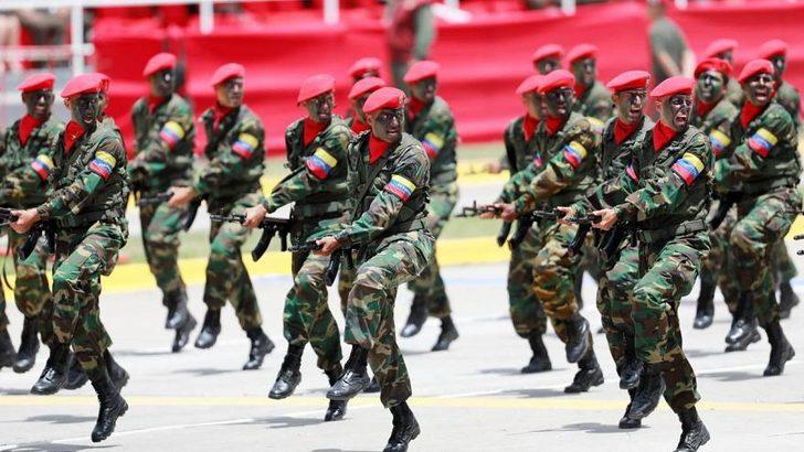 ABD'den Venezuela ordusuna tehdit: Doğru seçimi yapın, yoksa...