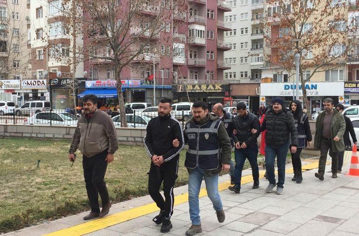 Kırşehir'de masaj salonuna fuhuş baskını: 3 gözaltı