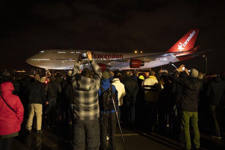Dünyanın en eski jumbo jeti artık böyle hizmet verecek! Hayranlıkla izlediler