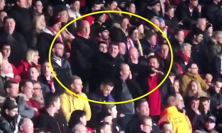 Emiliano Sala ile dalga geçen iki Southampton taraftarı gözaltında