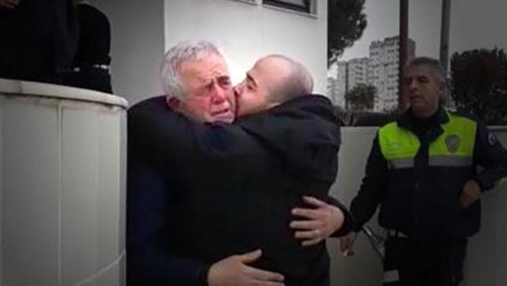 Baba ile oğlunun ağlatan kavuşması