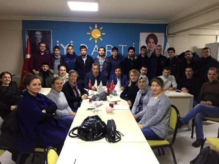İYİ Parti Karacabey İlçe Başkanı Erkan Önen ve Yönetim Kurulu Üyeleri istifa etti