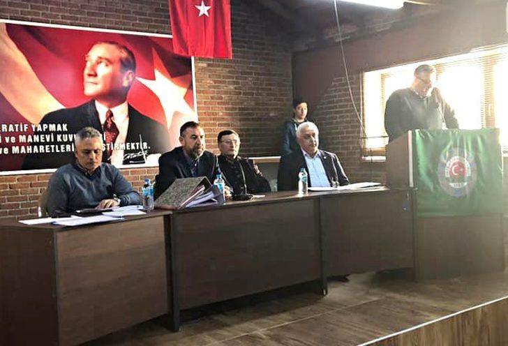 Edremit Ziraat Odası'nda 'zeytinin babası' Cahit Çetin, onursal başkan seçildi