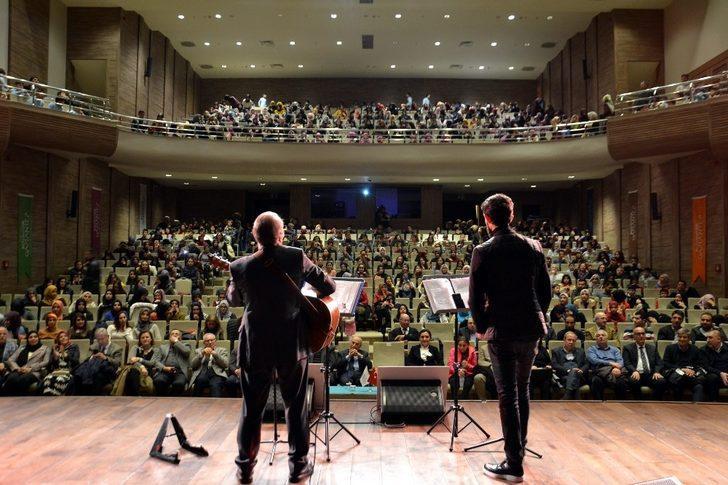 """Gaziantep'te """"Gönüller Yapmaya Geldik"""" adlı konser ve şiir dinletisi"""