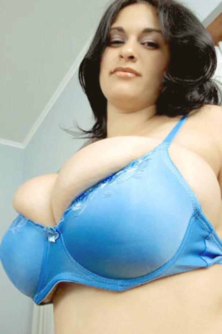 огромная грудь не помещается в лифчике фото монстры, сперма