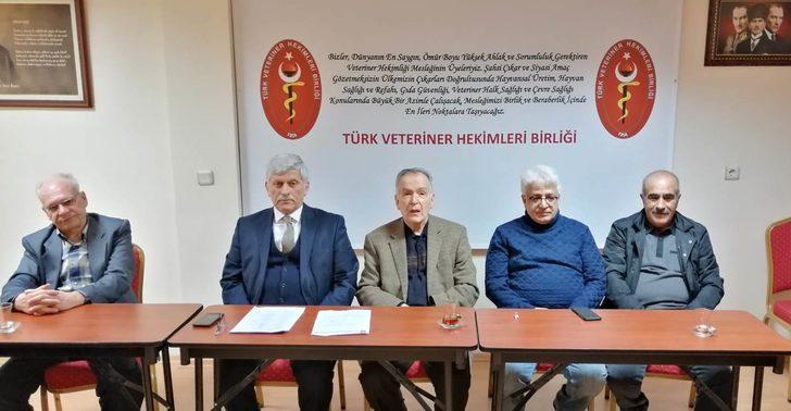 Türk Veteriner Hekimler Birliği Vakfı'nın yeni başkanı Safa Gür oldu