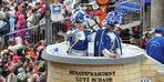 """Almanya'da """"5. Mevsim"""" karnaval geçidi yapıldı"""
