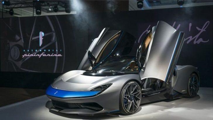 Dünyanın en hızlı otomobili: Elektrikle çalışıyor ve 12 saniyede 300 km hıza ulaşıyor