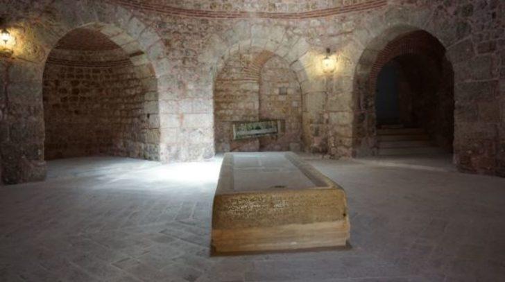 Mezarının Ayaklar Altında Olmasını Vasiyet Eden Mor Gabriel'den Adını Alan Mardin'deki Kadim Manastır