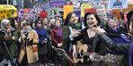 Ankara'da kadınlar, şarkılar söyleyip, halay çekerek günlerini kutladı