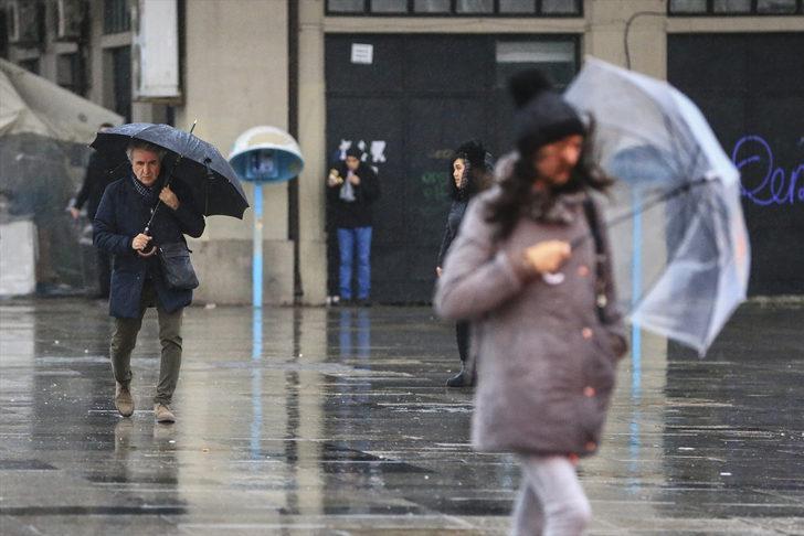 Meteoroloji'den son hava durumu tahmini uyarısı! (İstanbul'a yağmur uyarısı! Saat verildi)