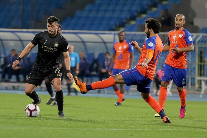 Fenerbahçe Brezilyalı 10 numara Giuliano'yu arıyor