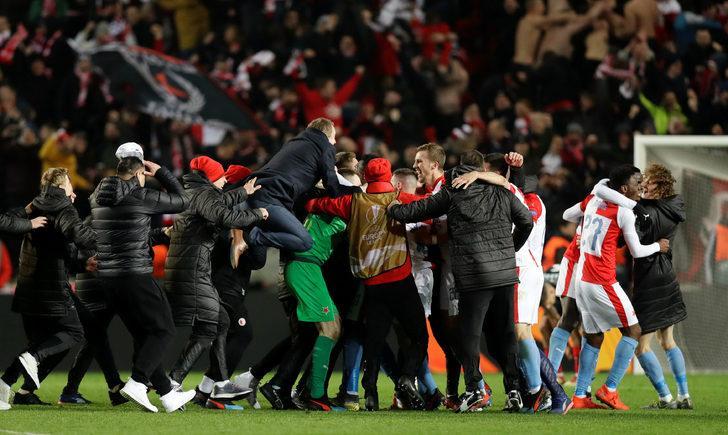 Slavia Prag: 4 (Çekya) - Sevilla: 3 İlk maç (2-2) (Uzatmalar)