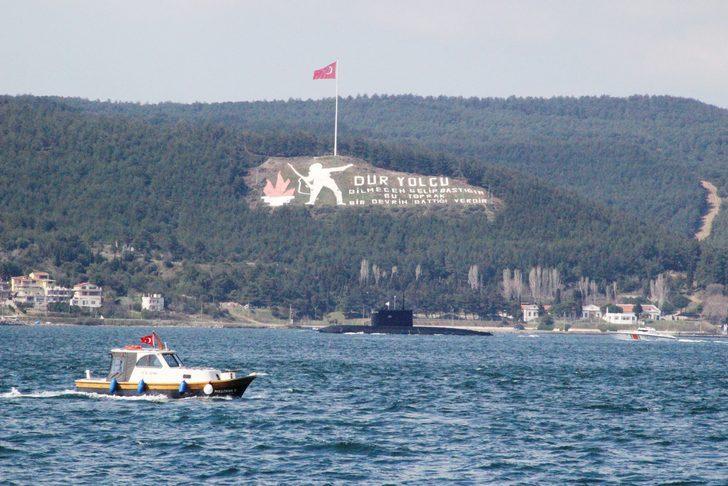 Çanakkale Boğazı'nda hareketli dakikalar! Rus denizaltısı geçti