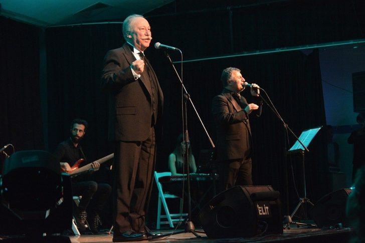 Aliağa'da Komedi Festivali, 'Şifa Niyetine' oyunuyla final yaptı
