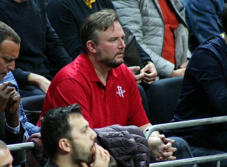 Houston Rockets'ın menajeri Darly Morey  Ülker Salonu'nda