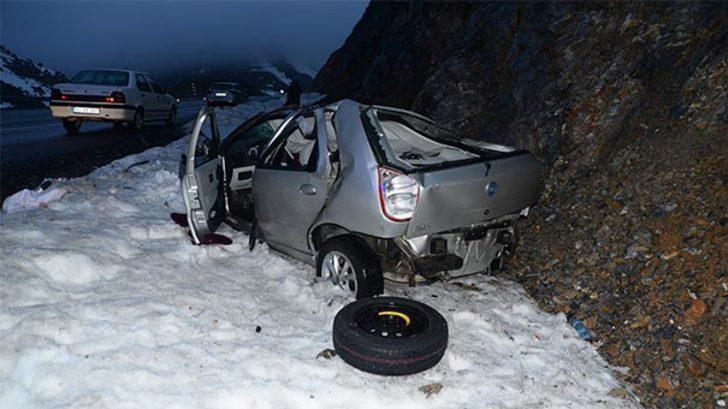 Öğretmen çifti kaza ayırdı