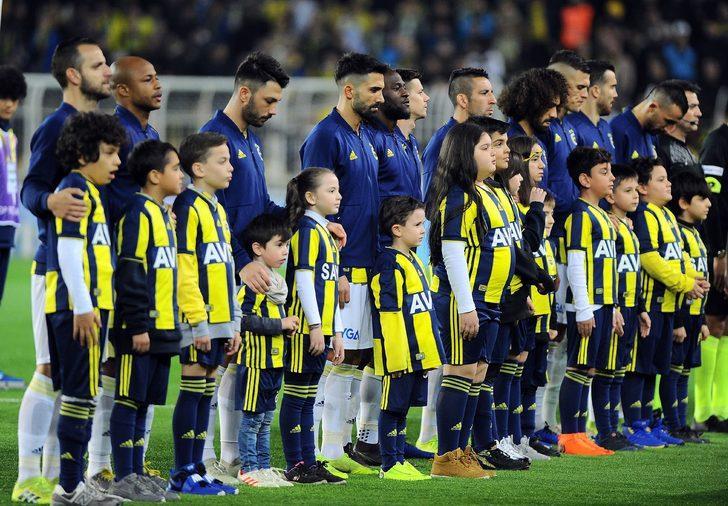 Fenerbahçe'de Mehmet Topal sakatlandı