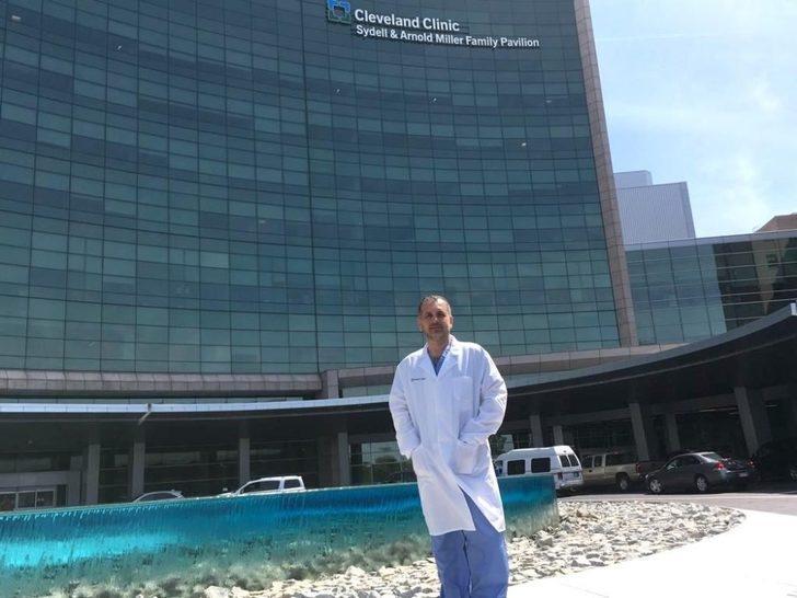 Prof. Dr. Burak Turna mesleği için 30'dan fazla ülkeye gitti