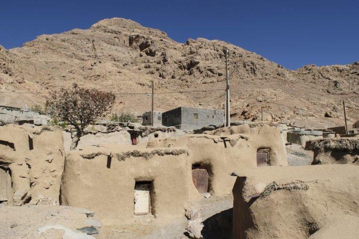 Adeta masallardan çıkmış gibi! İran'ın bilinmeyen köyü: Makhunik