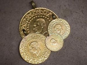 Altının gram fiyatı, güne yükselişle başlamasının ardından 230,7 lira seviyesinde dengelendi. Analistler, bugün yurt içinde veri gündeminin zayıf olduğunu, yurt dışında ise ABD ve Avrupa'da açıklanacak imalat sanayi Satınalma Yöneticileri Endeksi (PMI) verilerinin takip edileceğini dile getirdi. Kapalıçarşı'da çeyrek altın 378 lira ve Cumhuriyet altını 1.542 liradan işlem görüyor.