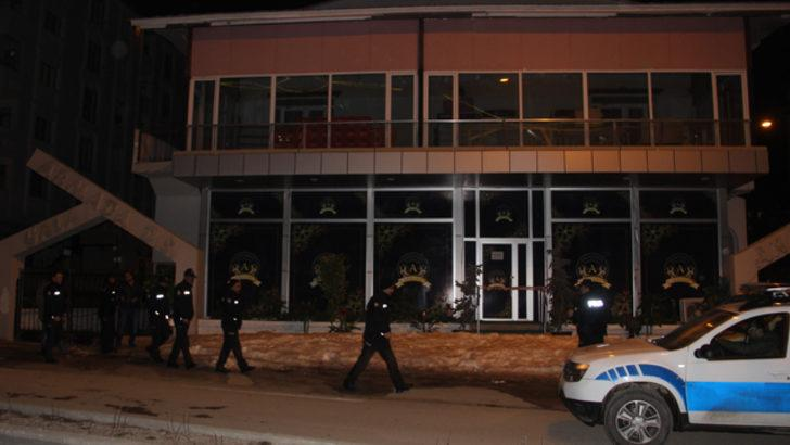 Erzurum'da düğün salonunda asma tavan çöktü, faciadan kıl payı dönüldü