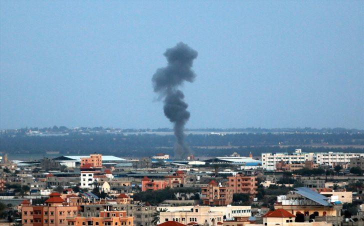 İsrail savaş uçakları, Gazze'deki Hamas hedeflerini vuruyor