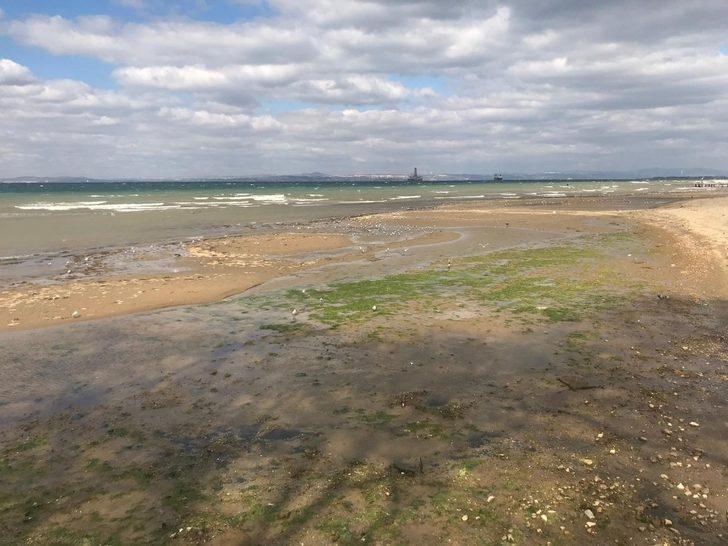 Yalova'da deniz suyu 20 metre çekildi