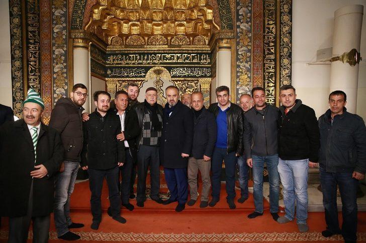 Başkan Aktaş seçimin ardından güne Ulucami'de sabah namazıyla başladı