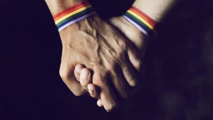 Eşcinsel ilişki ve zinaya recm cezası getirildi