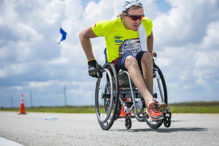 Son şampiyon Anderson herkesi Wings for Life World Run'da koşmaya davet etti